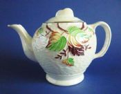Maling Ringtons Embossed 'Autumn Leaves' Lustre Teapot c1955